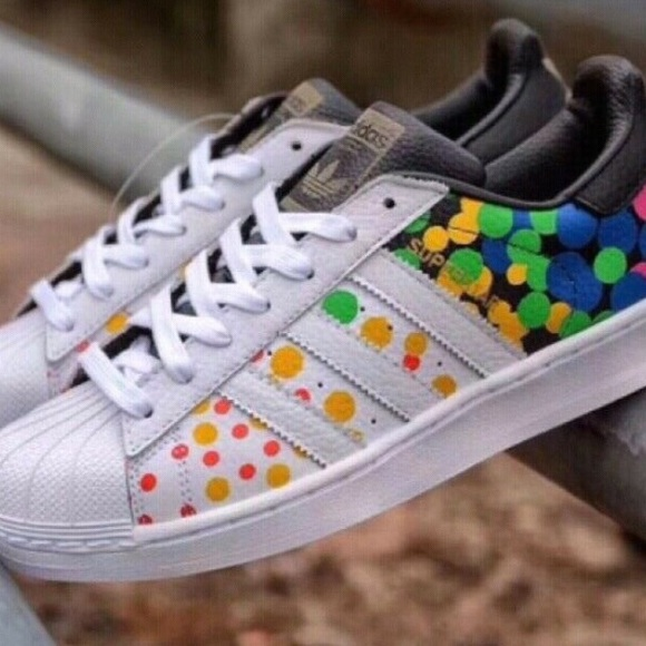 best authentic c6e7e 7ffc3 New Adidas Superstar Pride Pack Rainbow Dot Shoes NWT